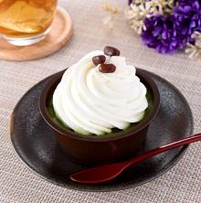 ファミリーマートの新作スイーツ・洋菓子「クリームほおばる宇治抹茶ケーキ」2021年5月