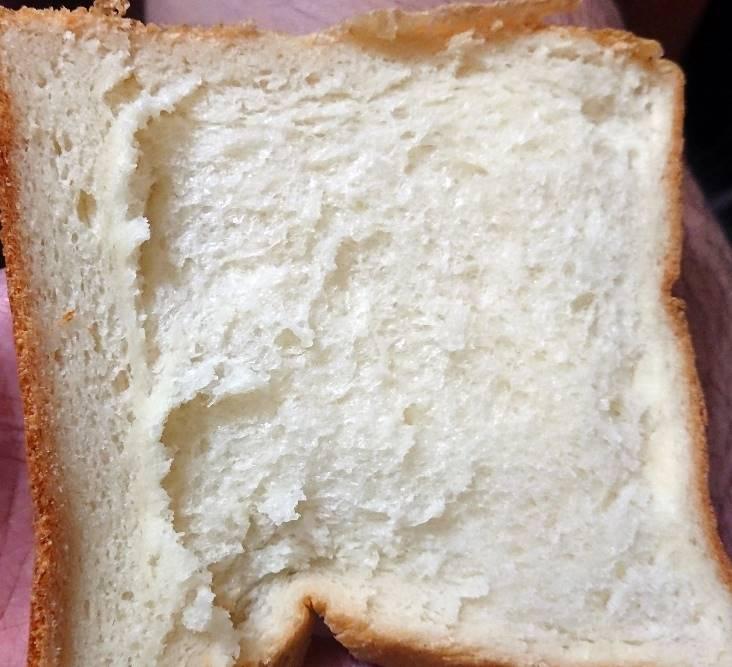 高級食パン専門店 嵜本の「極生ミルクバター食パン」2