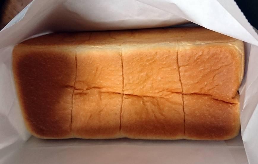 高級食パン専門店 嵜本の「極生ミルクバター食パン」
